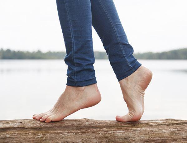 Stehen wie auf füße kann man Wie kann